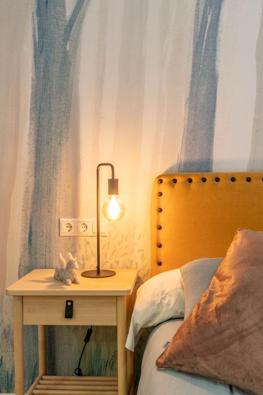 dormitorio_cabecero_en amarillo_bhoga_decoracion