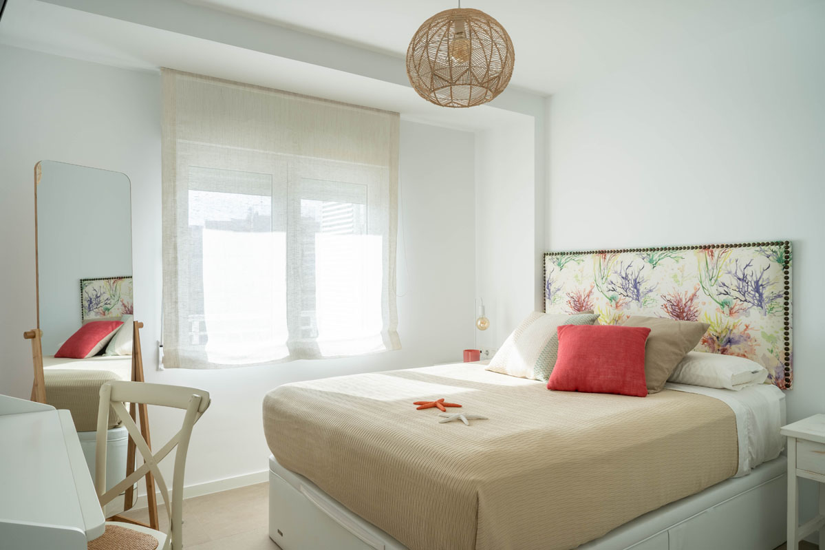 1_Dormitorio_decoraci¢n_playa_Bhoga_Home_Staging_La_Mata